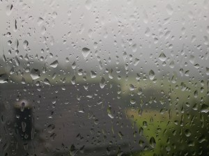 Rain_drops_on_window_02_ies